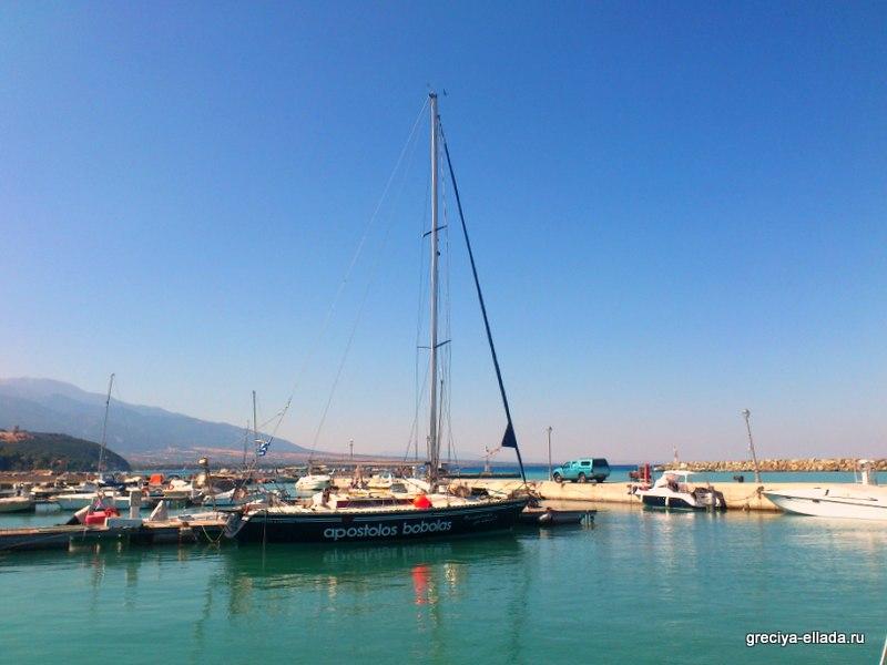 Прогулочная яхта, Платамонас