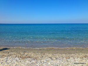 Песочно-галечный пляж Платамонаса
