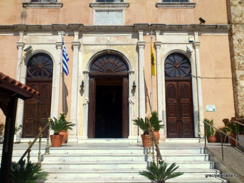 Центральный вход в храм Святого Николая