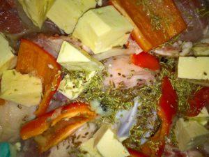 Баранина с овощами и сыром