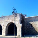 Развалины венецианского арсенала крепости Кулес
