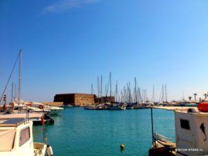 Вид со стороны набережной крепости Кулес