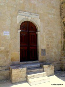 Вход в храм Святой Екатерины
