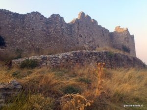 Стена крепости Платамонас
