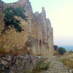 Вход в замок Платамонас
