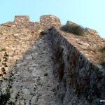 Укрепление стен замка Платамонас
