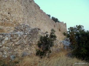 Две стены замка Платамонас