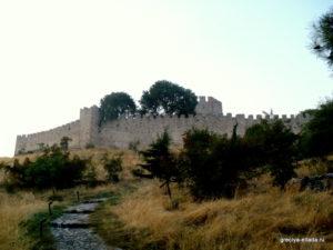 Тропинка к замку Платамонас