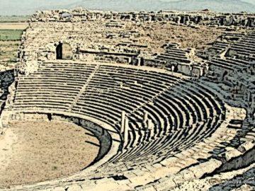 Античный театр Милоса