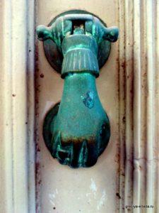 Венецианская ручка двери