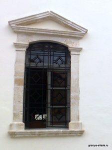 Вход в один из приделов церкви Госпожа Ангелов