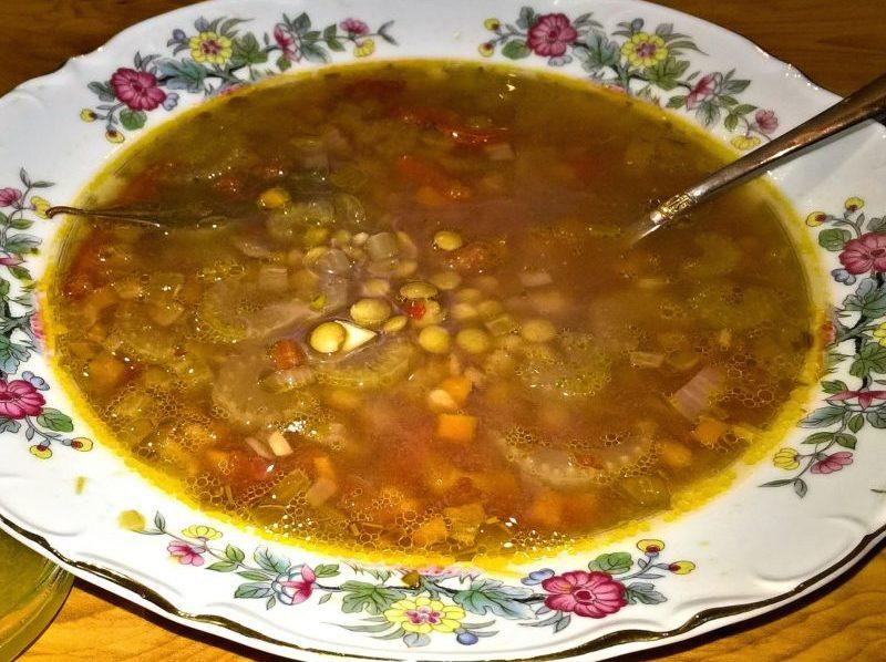 Чечевичная похлебка с томатом