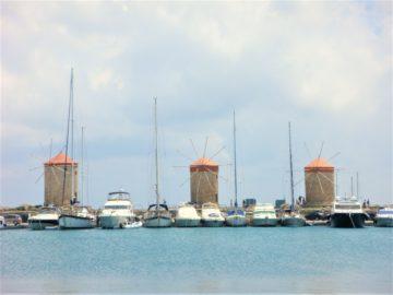 Родос, порт Мандраки, мельницы