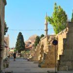 Вид на мечеть Сулеймана в Родосе издалека