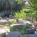 Часть кладки древнего Храма Афродиты