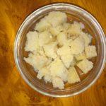 Черствый хлеб, размоченный в воде