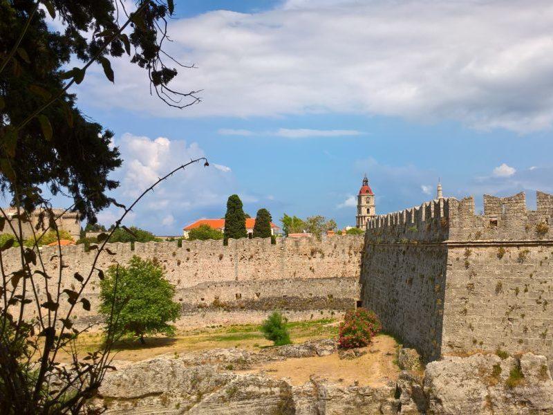 Часовая башня - самая высокая точка Родоса