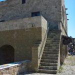 Лестница с обратной стороны Гостевого дома Святой Екатерины