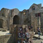 Сохранившиеся стены храма Богородица Бурго