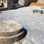 Цилиндрические основания церкви Богородица Бурго