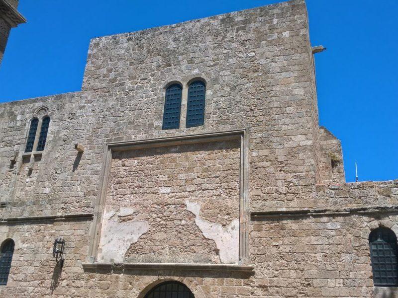 Храм Панагия ту Кастру (Богородица Крепости)