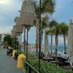 Променад и кафе пляжа Элли