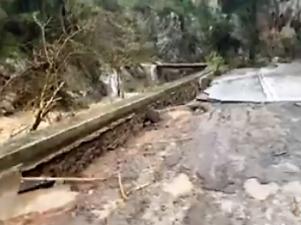 Разрушенные дороги Крита