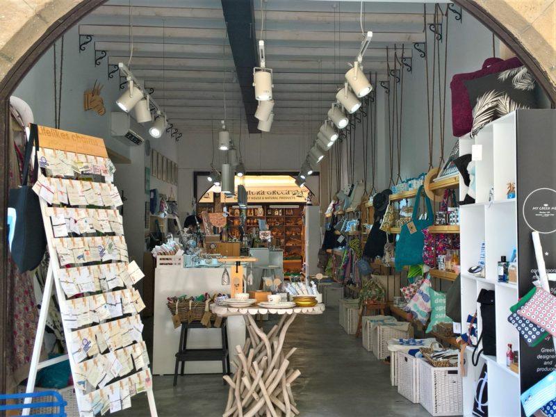 Греческий сувенирный магазин