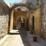 Родос, Старый город, старинный двор