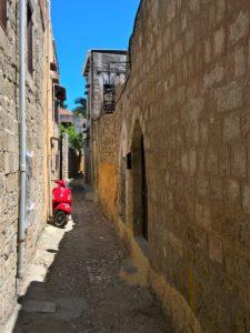 Родос, Старый город, узкая улочка