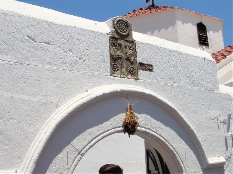 Вход в Храм Успения Пресвятой Богородицы в Линдосе