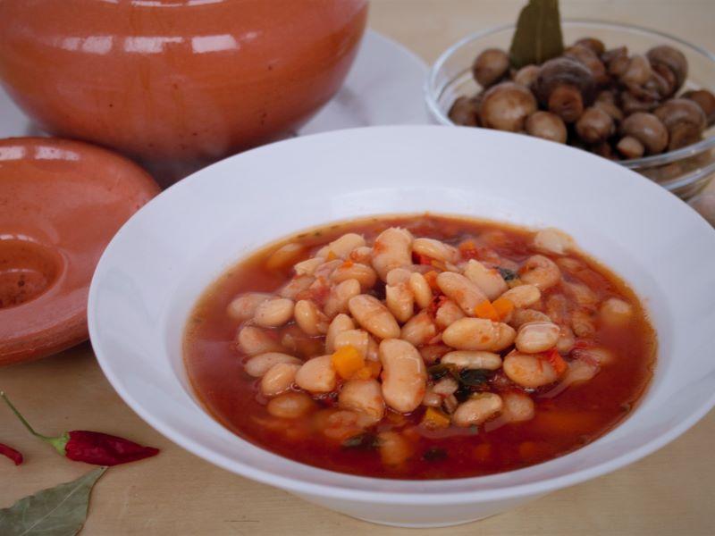 Греческий фасолевый суп - фасолада